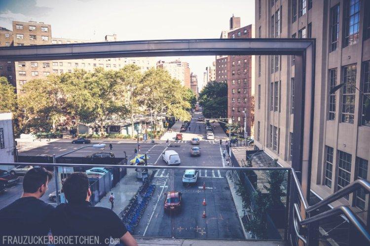 Der High Line Park_Die stillgelegte Hochbahntrasse im Manhattans Westen_Blick in die Stadt_Frau Zuckerbrötchen