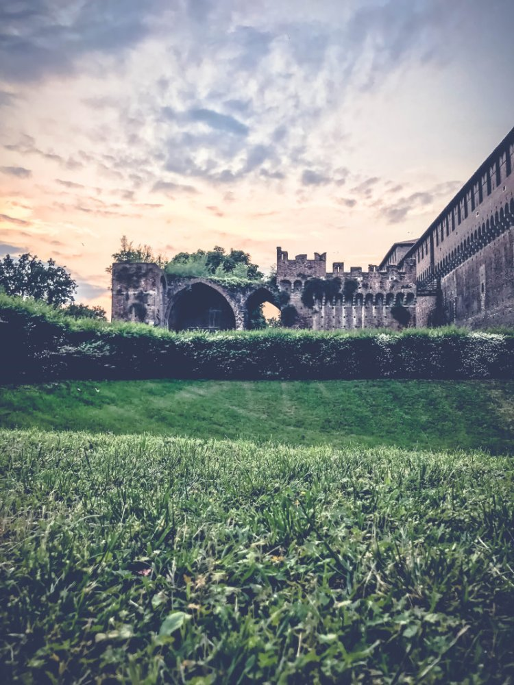 Castello Sforzesco_Mailand.jpg